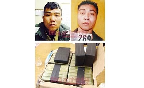 Truy tố 13 đối tượng mua bán 799 bánh heroin